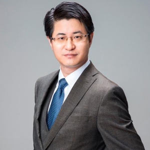 Simon Shen (Founder and Principal Partner  of  Minton Lawyers)